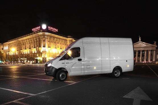 Автомобиль Газель NEXT ЦМФ 3,5 тонн (до 13,5м³), белая. Вид слева