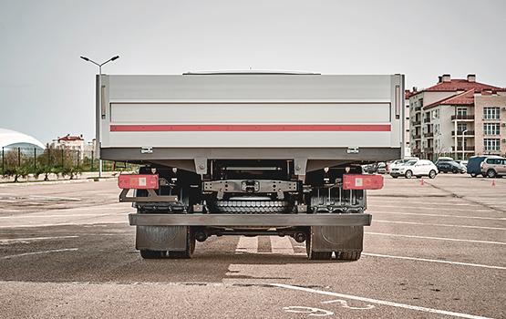 Задний мост с усиленным редуктором, амортизаторы подвески, усиленная и модернизировання рама в автомобилях ГАЗон NEXT 10 ТОНН