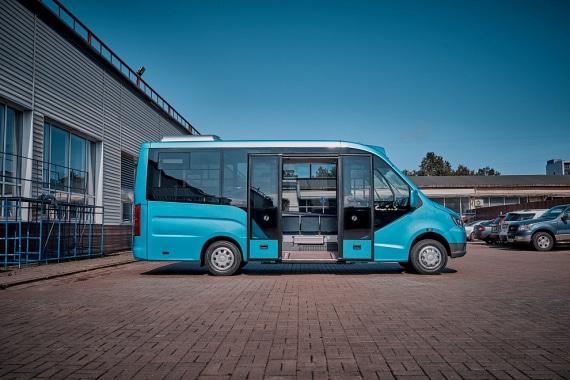 Низкопольный автобус ГАЗЕЛЬ CITY, сидней. Вид справа