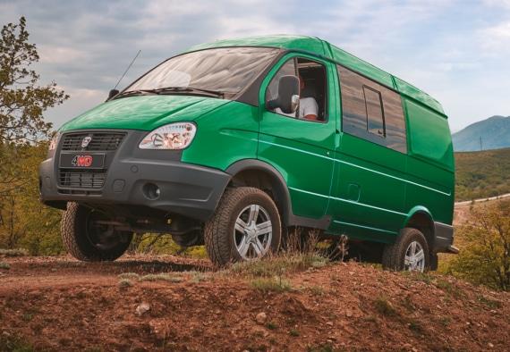 Автомобиль на базе ГАЗ 4WD, зеленый. Вид слева