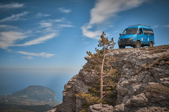 Автомобиль на базе ГАЗель 4WD, синий. Вид слева