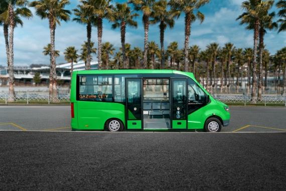 Низкопольный автобус ГАЗЕЛЬ CITY, зеленый. Вид справа