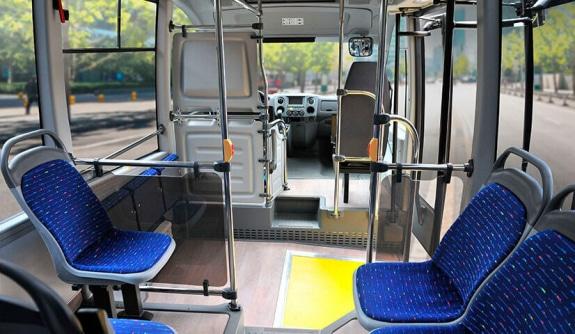 Сидения с пластиковой антивандальной основой, съемной подушкой и спинкой с мягкой прокладкой в низкопольных автобусах ГАЗЕЛЬ CITY